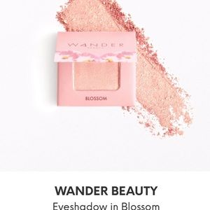 ❤️ Wander Beauty Eye Shadow in Blossom Pink NWT